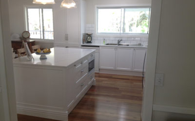 Kitchen Bathroom Renovations - Gold Coast - Decorated kitchen in white touch